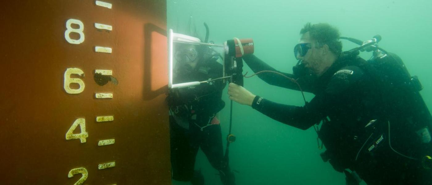 Ian Davidson in SCUBA gear underwater